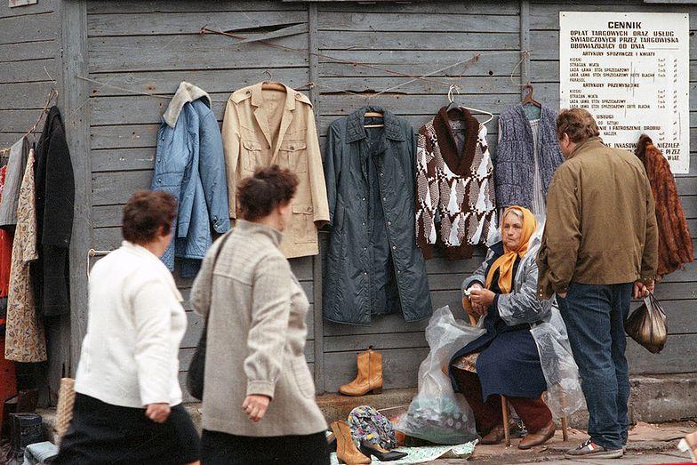 Warszawski Bazar Różyckiego. W szarej strefie najchętniej kupujemy ubrania i papierosy