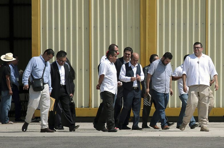 Jesus Murillo Karam po spotkaniu z rodzinami ofiar