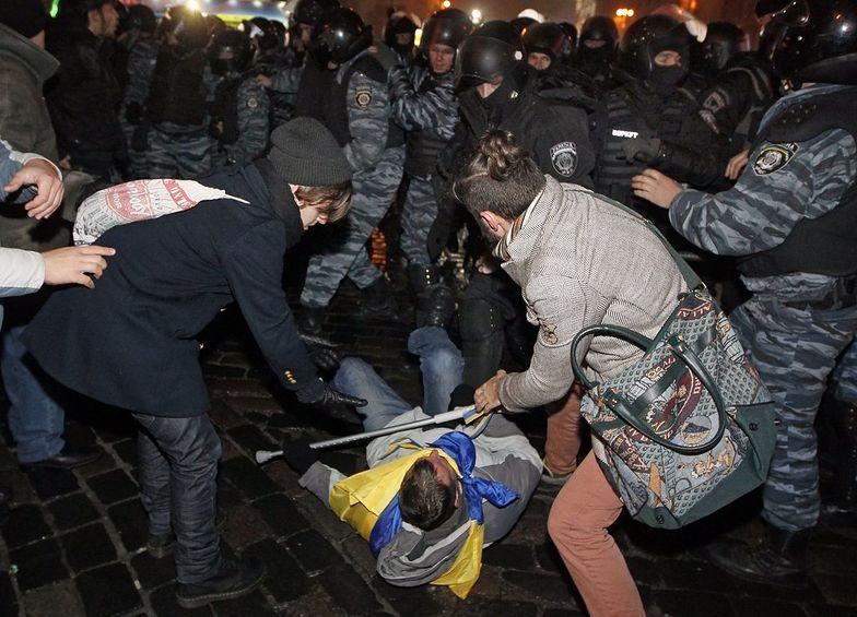 Ukraina: Policja wycofała się po starciach