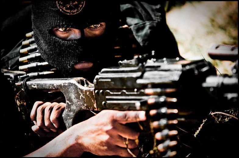 """Państwo Islamskie. Po roku rządów """"kalifatu"""" nic nie zapowiada jego kresu"""