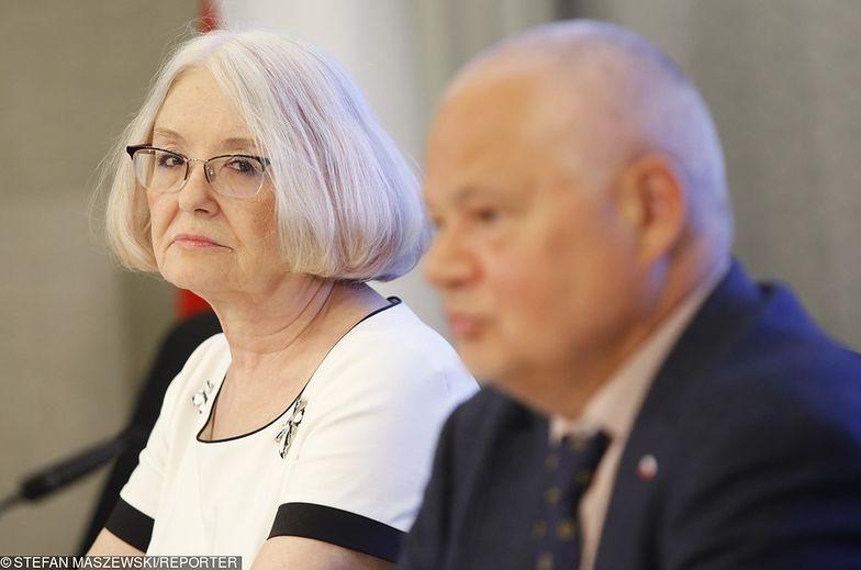 Grażyna Ancyparowicz i Adam Glapiński w czasie konferencji prasowej RPP.