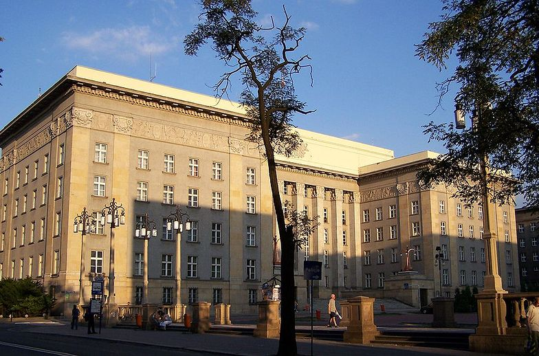 W czasach II RP w tym gmachu obradował Sejm Śląski