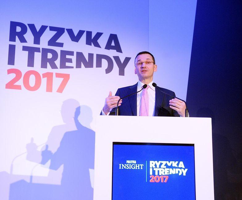 """- My zasadniczo nie patrzymy na podnoszenie podatków jako to źródło, gdzie ma się znaleźć 40 czy 50 mld zł - zadeklarował wicepremier Mateusz Morawiecki podczas konferencji """"Ryzyka i Trendy 2017"""" w styczniu 2017 r."""