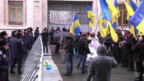 Proeuropejscy protestanci okazują pogardę Janukowiczowi