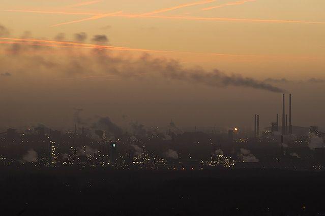 Ważą się losy ustawy antysmogowej. Samorządy zakażą używania pieców węglowych?