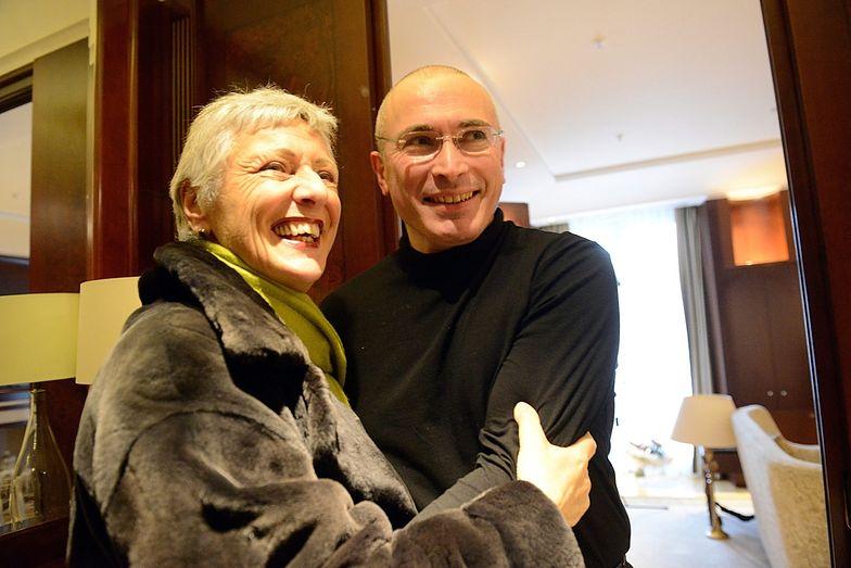 Michaił Chodorkowski z mamą po wyjściu z łagru