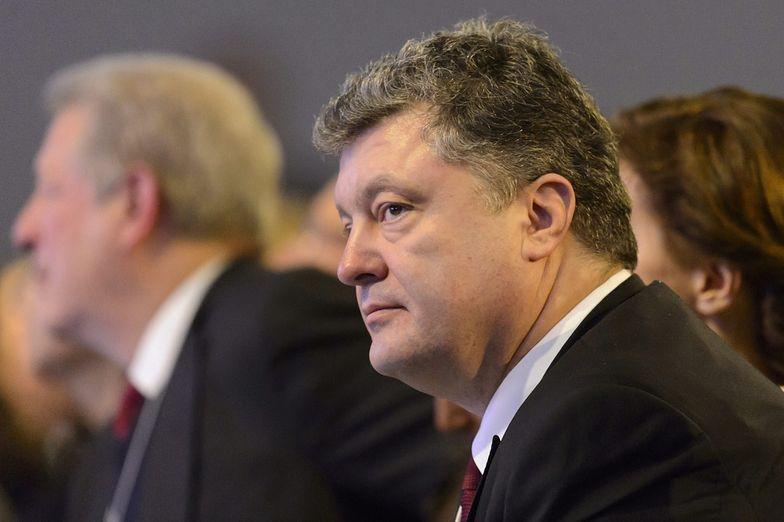 Wojna na Ukrainie. Poroszenko skróci swój pobyt w Davos