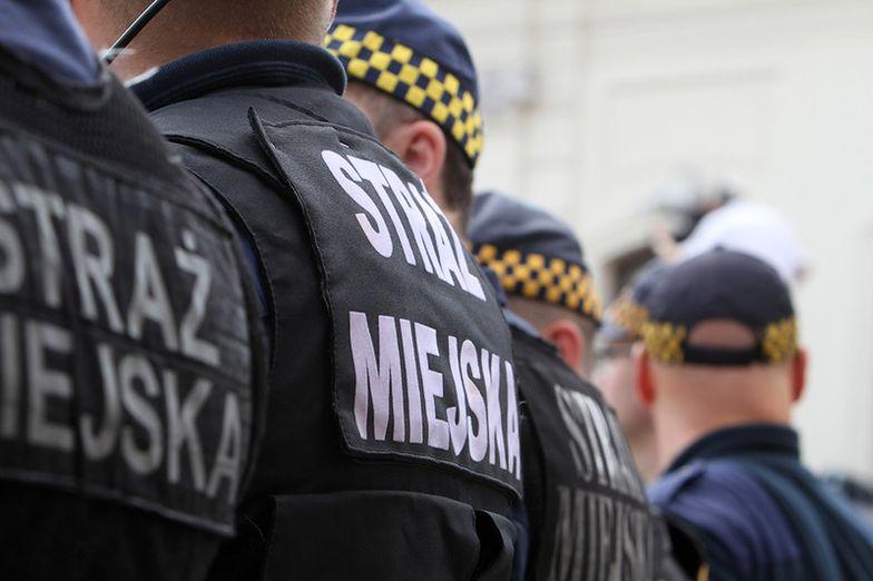 Strażnicy miejscy oskarżeni o nieuzasadnione zatrzymanie