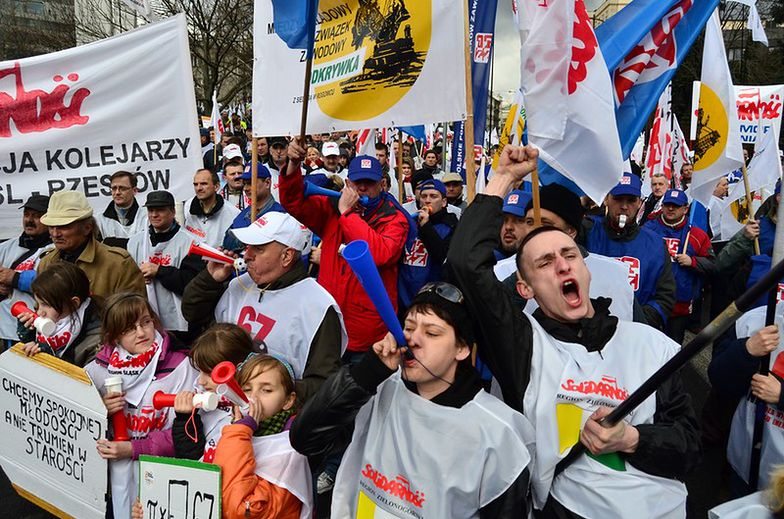 Protesty przeciwko podniesieniu<br/>wieku emerytalnego w 2012 roku