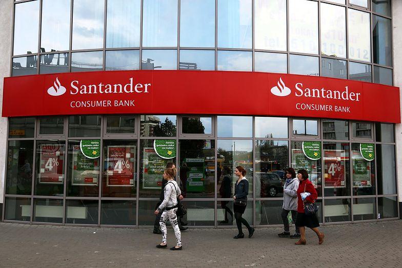 Logo Santandera będzie coraz bardziej widoczne na polskim rynku.