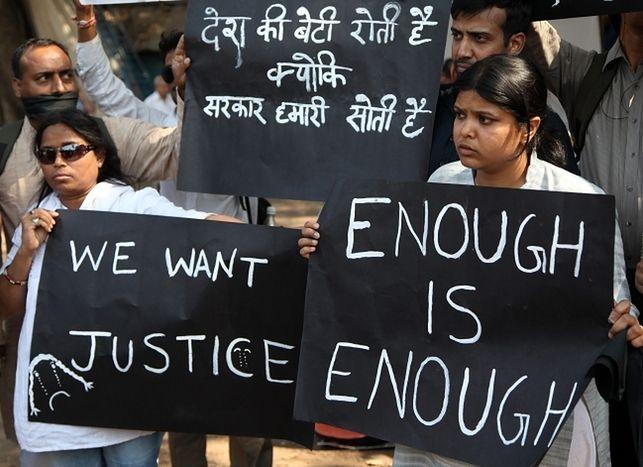 Indie: Zarzut morderstwa dla sześciu gwałcicieli z Delhi