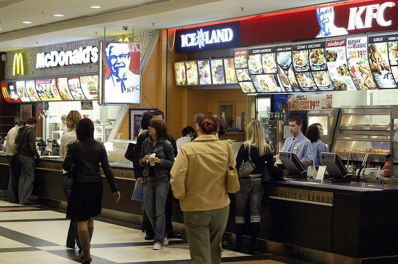 Operator sieci KFC, Pizza Hut i Starbucks dynamicznie zwiększa sprzedaż