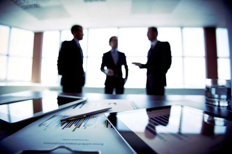 Kontrakt menedżerski to nie umowa o pracę. Jakie są różnice?