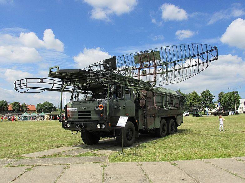 """Zdjęcie ilustracyjne Stacja radiolokacyjna NUR-31 """"Justyna"""" z 15 Pułku Przeciwlotniczego Gołdap"""