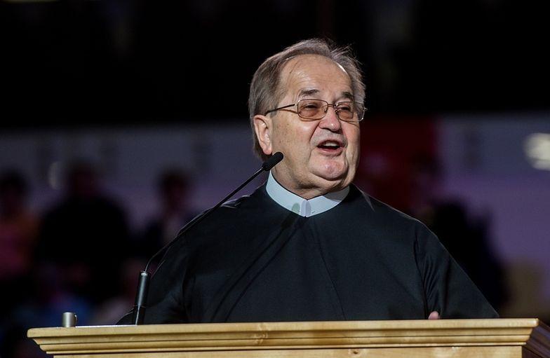 Ojciec Rydzyk wystąpił w jednym froncie z Agorą i TVN przeciw Emitelowi
