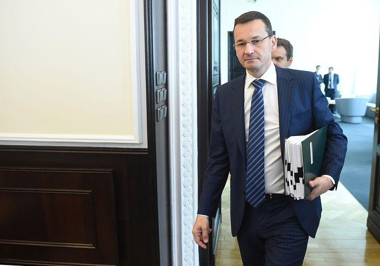 Obniżenie wieku emerytalnego. Morawiecki zabrał głos w sprawie decyzji rządu