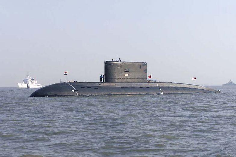 Okręt INS Sindhurakshak (S 63), na podobnym okręcie w Mumabju <br/>doszło do ekplozji