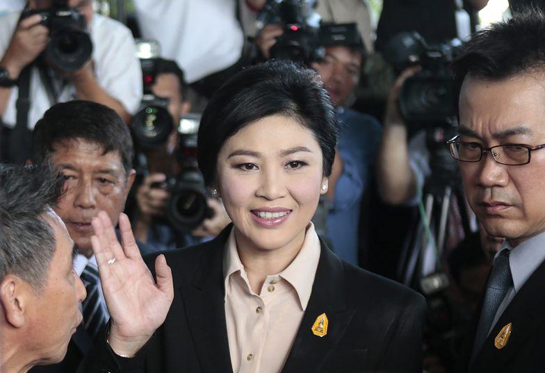 """Była premier Tajlandii w sądzie rok po obaleniu rządu. """"Jestem niewinna"""""""