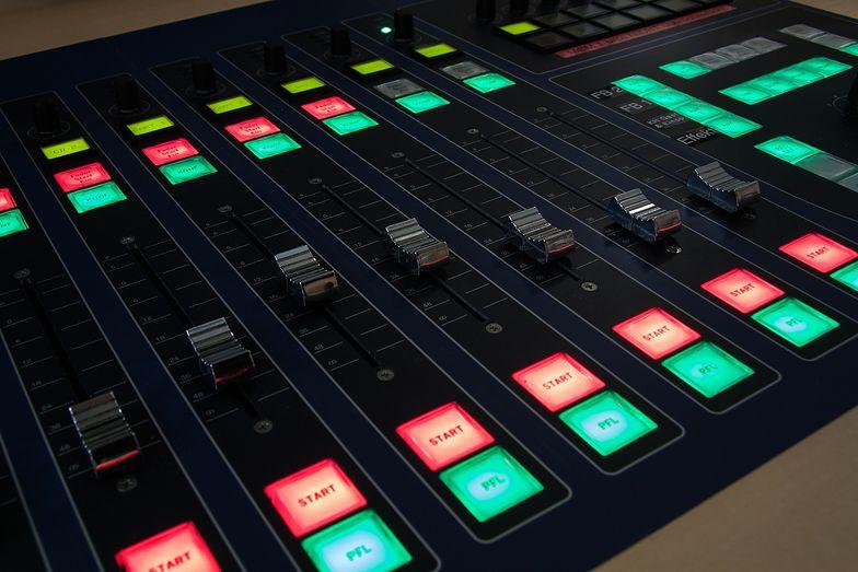 """Radio w Polsce. KRRiT odebrała koncesję """"Radiu Hobby"""""""