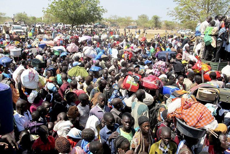 Wojska USA w Afryce zmieniają pozycje, by ewakuować ludzi z Sudanu Płd.
