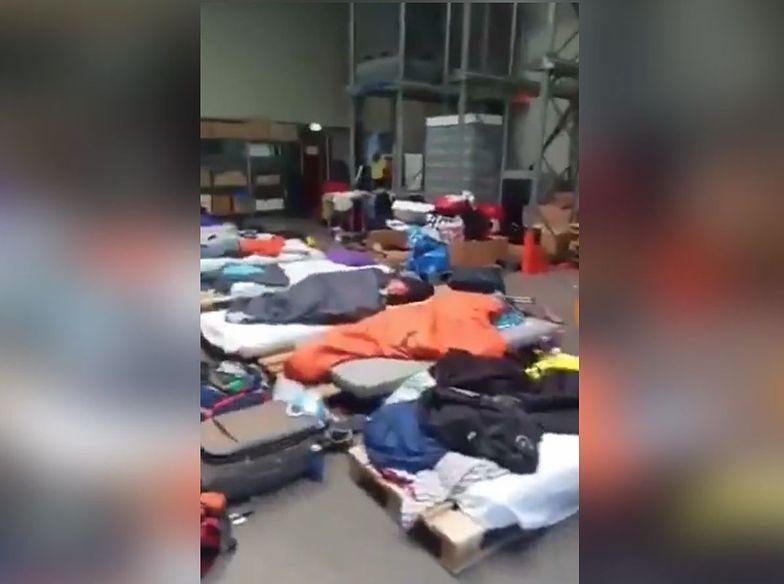 W takich warunkach musieli spać pracownicy z Polski