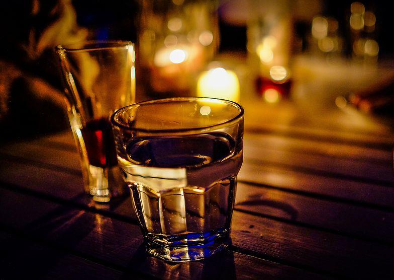 Skażony alkohol spożyło ponad 150 osób. Trwa śledztwo