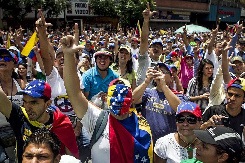 Protesty na ulicach Caracas