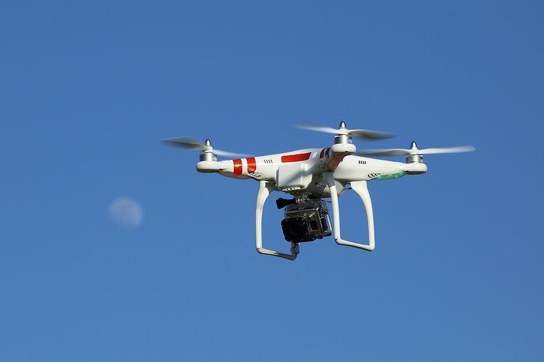 Przesyłki kurierskie. Amazon chce używać dronów do dostarczania paczek