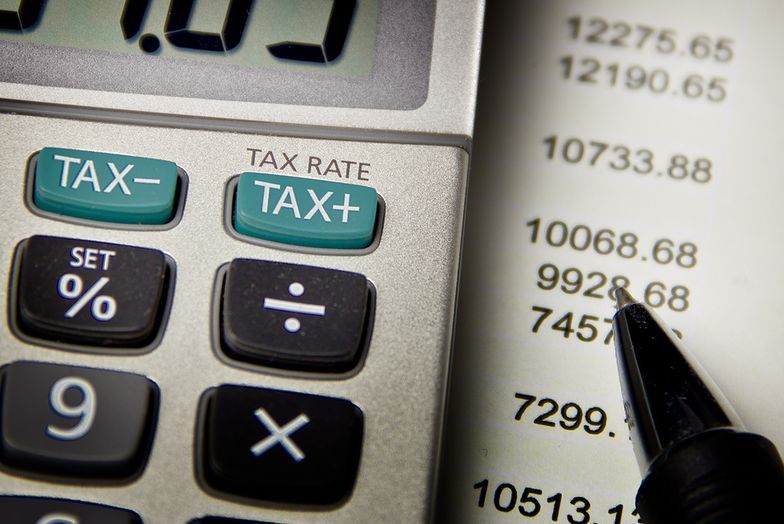 Jak państwa próbują sobie radzić z rajami podatkowymi? Oto odpowiedź
