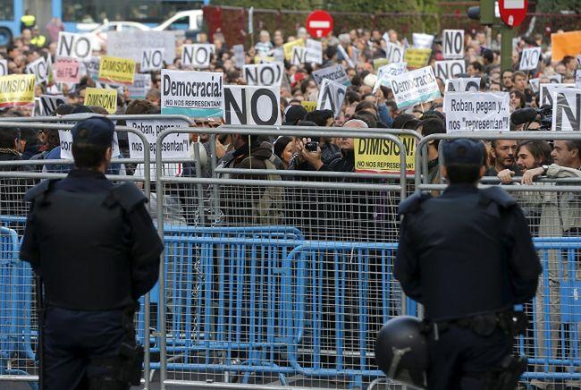 Kryzys w Europie. Wielkie manifestacje w Hiszpanii i Portugalii