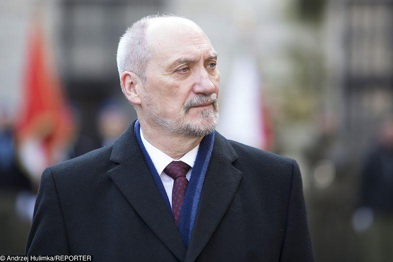 Decyzja ministra obrony podyktowana jest złym stanem technicznym śmigłowców