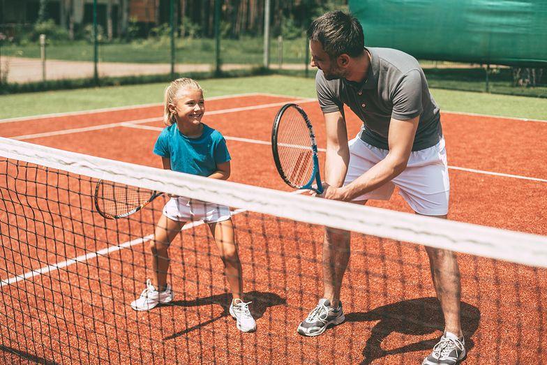 Ogólnodostępne lekcje tenisa w szkole? To możliwe