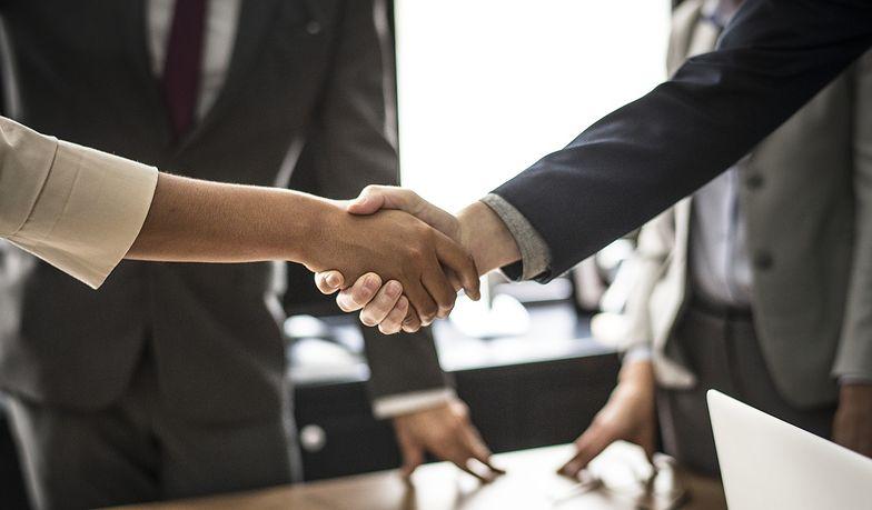 Umowa handlowa powinna być zawarta w formie pisemnej