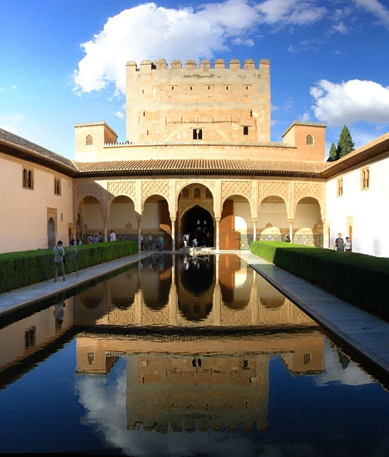 50 oskarżonych o okradanie Alhambry