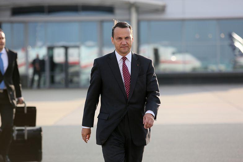 Sikorski nie stara się o stanowiska w NATO i UE