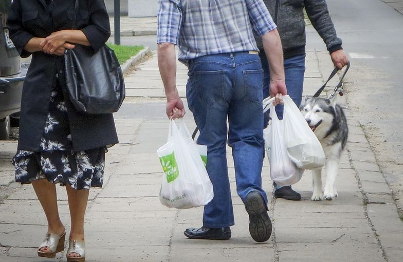 Również grubsze foliówki będą objęte opłatą recyklingową