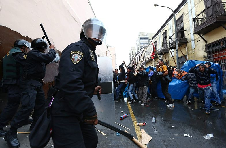 Peru: starcia policji ze studentami i pracownikami