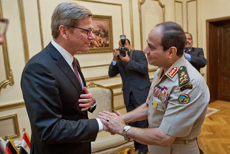 Szef armii egipskiej nie aspiruje do władzy