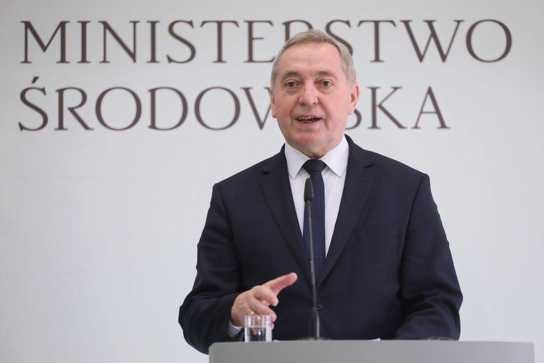 - Paląc w przestarzałych piecach złej jakości paliwem trujemy siebie i sąsiadów - mówił minister Kowalczyk.