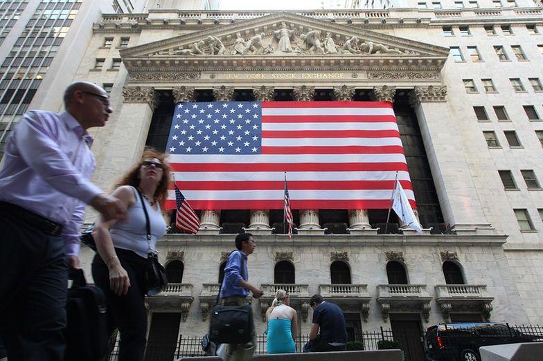 Mocny wzrost indeksów na Wall Street. Politycy próbują się porozumieć
