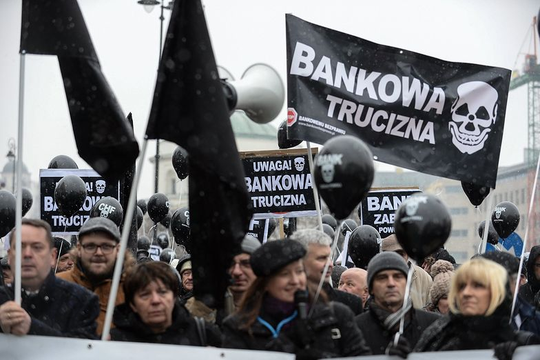 """Klienci """"polisolokat"""" wygrali w sądzie. To pierwszy taki wyrok w Polsce"""