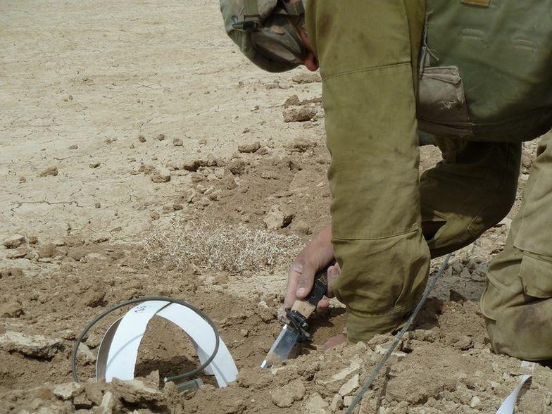 Zamach bombowy na wojskowy konwój w Algierii