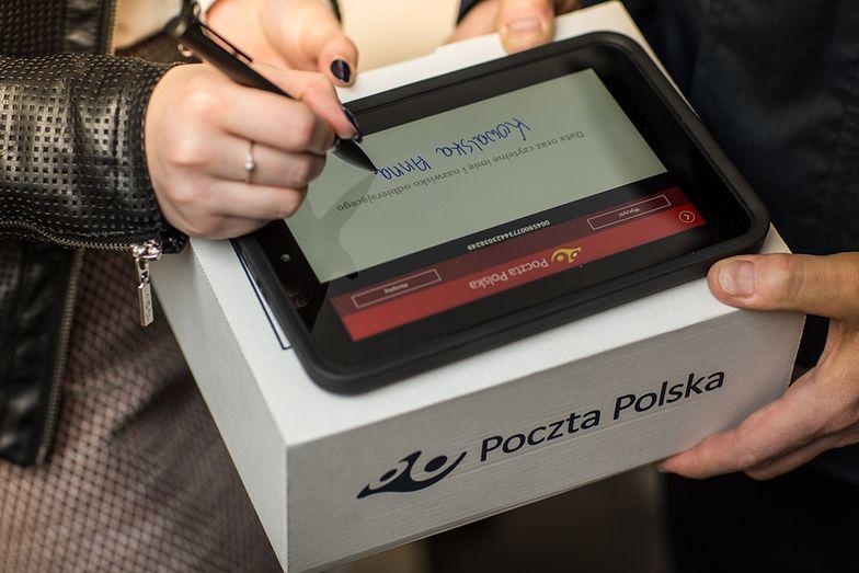 Poczta Polska: kurierzy pracują nawet w soboty. Zaczyna się przedświąteczny szczyt