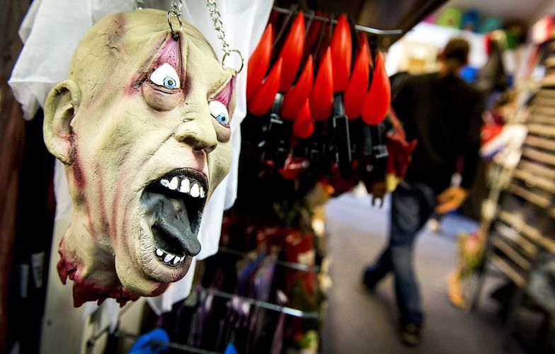 Halloween w Niemczech. Młodzież świętująca wywołała awanturę w Hamburgu