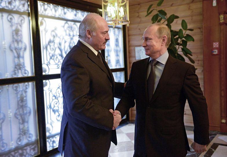 Władimir Putin na spotkaniu z Alaksandrem Łukaszenką.