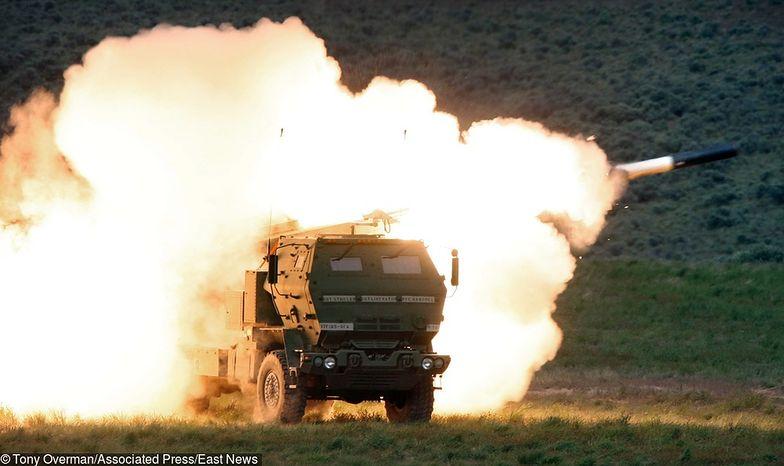 Wyrzutnie HIMARS kupujemy w całości od USA. Wcześniej planowano, że program Homar będzie realizowany we współpracy z naszą zbrojeniówką.