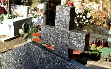 Infokioski pomogą odszukać groby zmarłych. Rewolucja internetowa na cmentarzach?