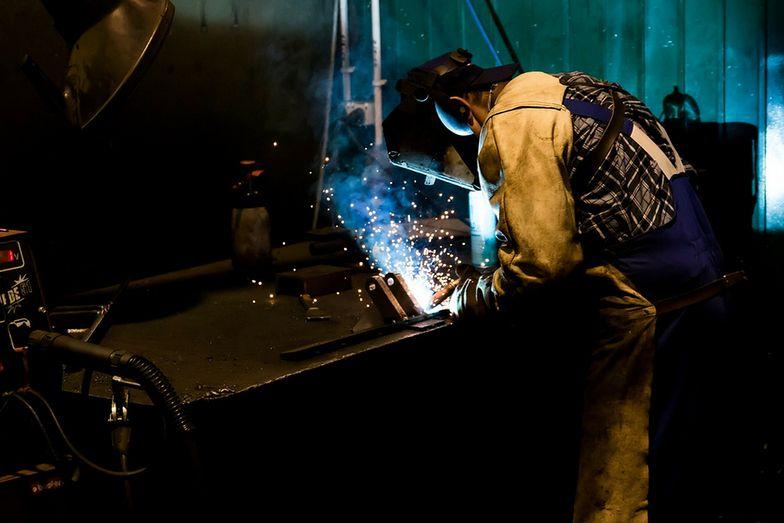 Spawacz w Sosnowcu może pracować w lokalnym zakładzie produkcyjnym