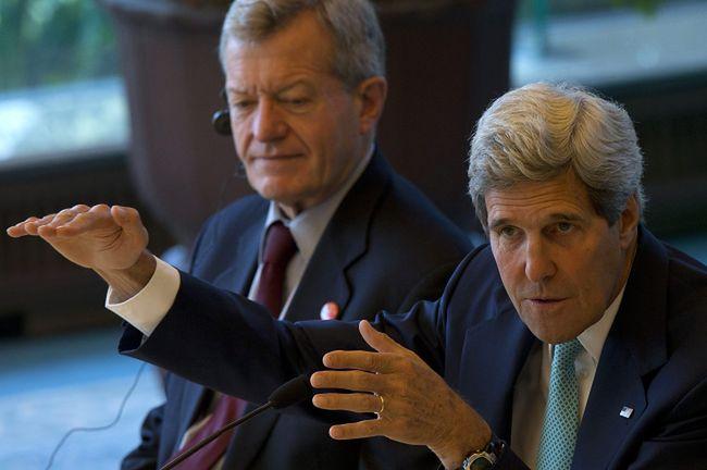 Kerry w Afganistanie pogrążonym w kryzysie