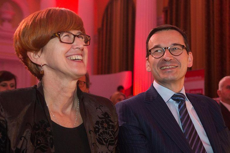 Najnowsze wyniki muszą cieszyć minister Rafalską odpowiedzialną za rynek pracy i premiera Morawieckiego.